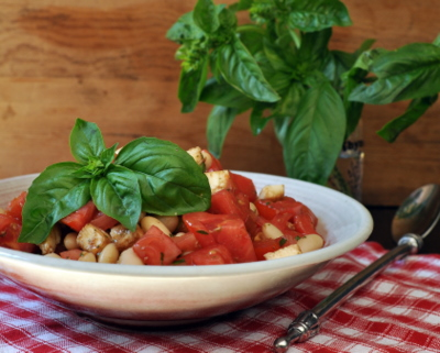Tossed Caprese Salad, another easy summer salad ♥ AVeggieVenture.com. Summer Comfort Food!