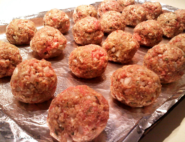 Easy recipes for basic and Italian meatballs baked in the oven. Plus an awesome tip for portioning them out to be the same size.