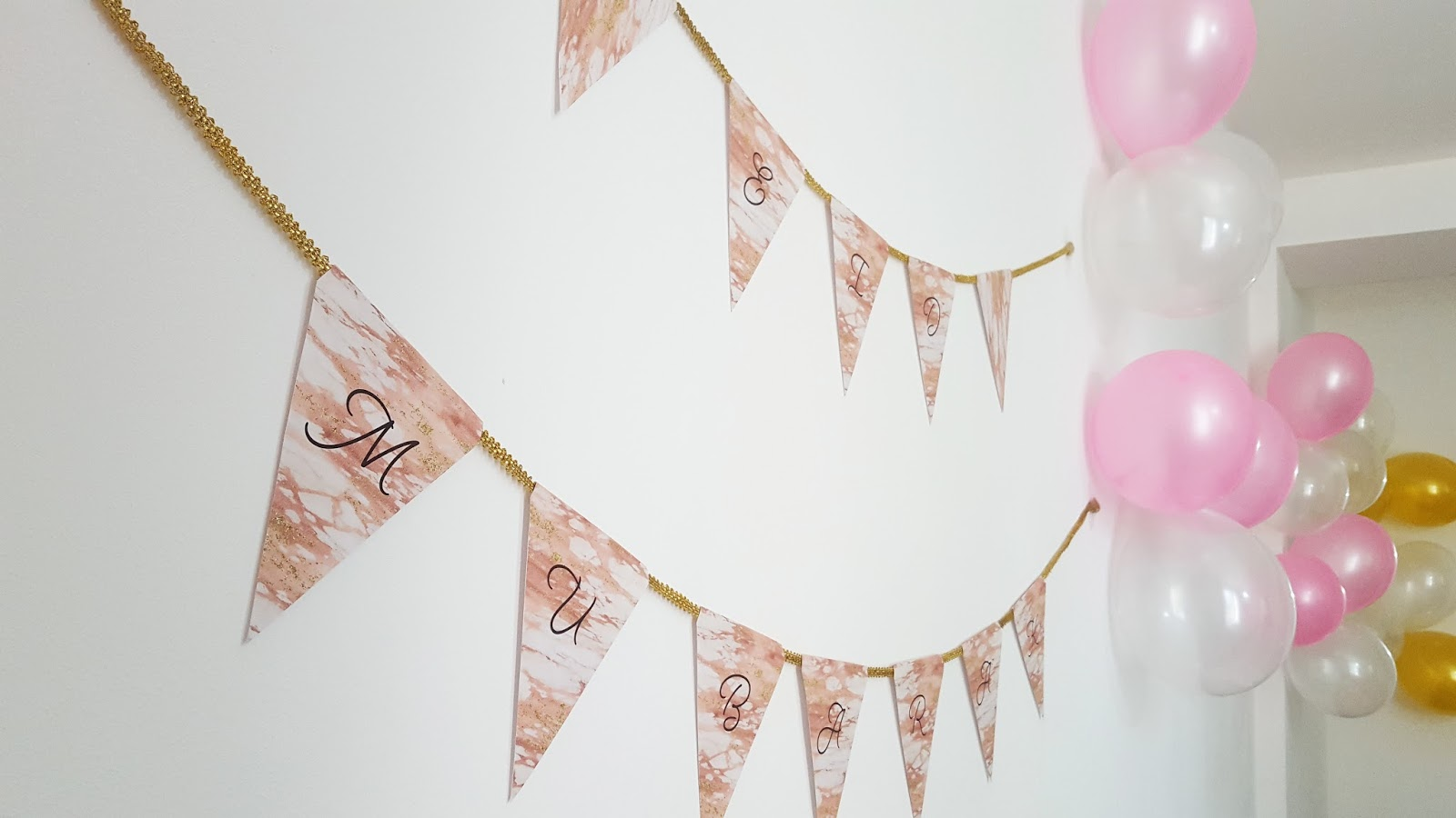 pink and gold eid bunting