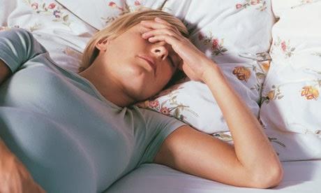 Übelkeit: Ursachen, Symptome und Hausmittel dagegen