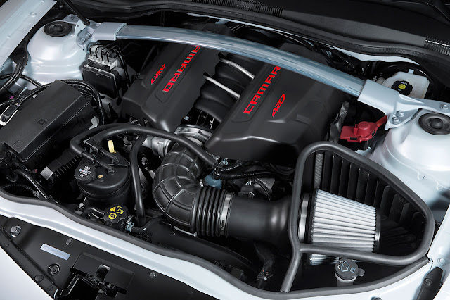 2014 Camaro Z/28 engine