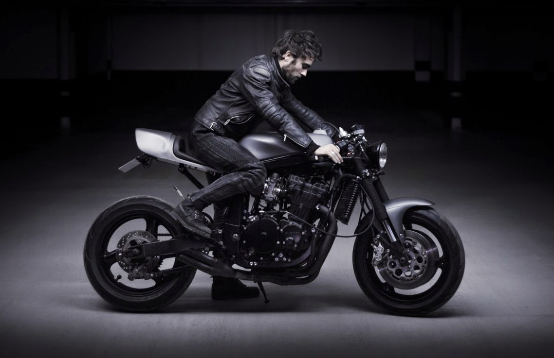 le french atelier suzuki gsx r 750 return of the cafe racers. Black Bedroom Furniture Sets. Home Design Ideas