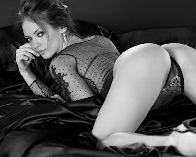 Mila Kunis pic