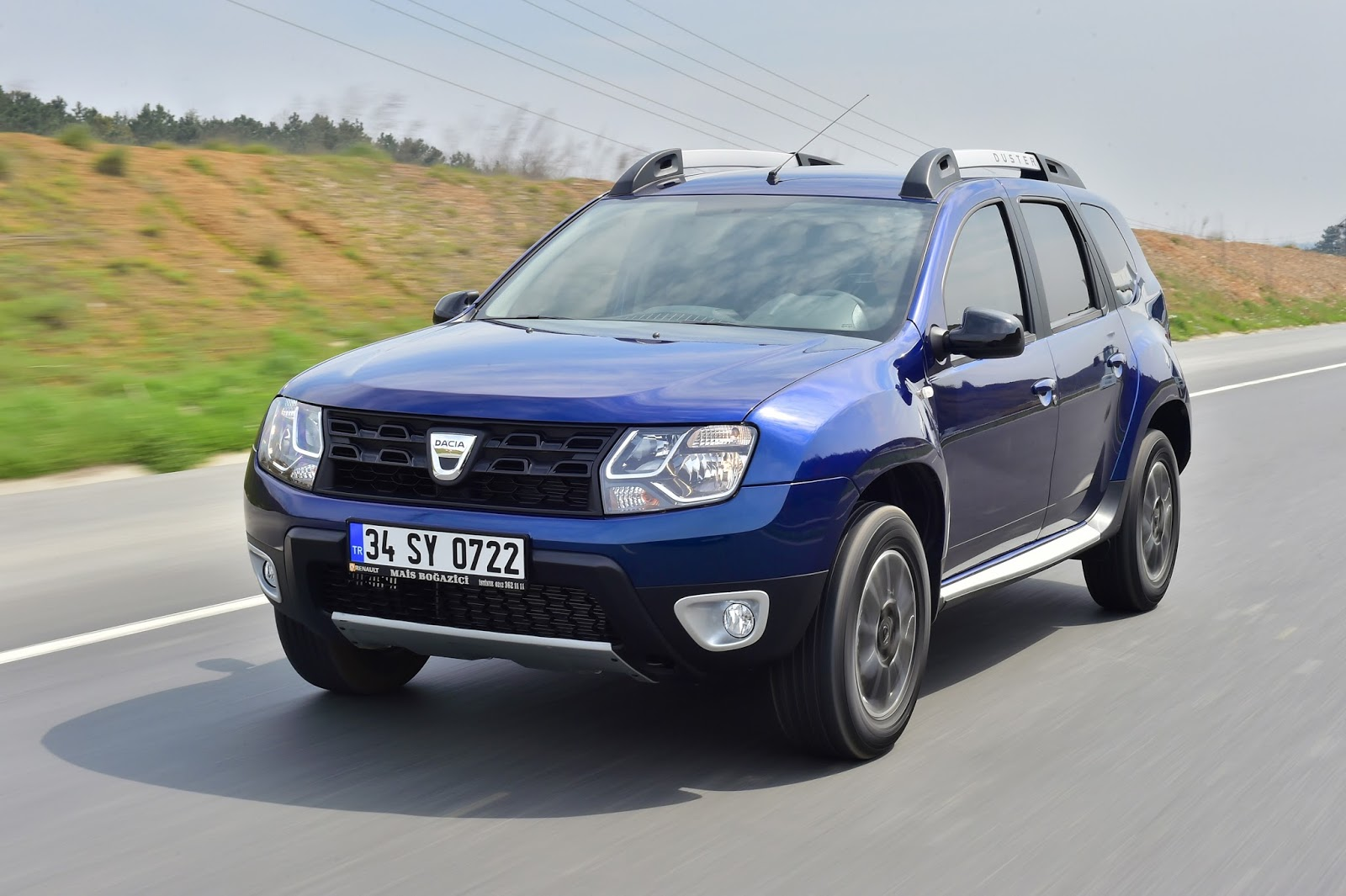 dacia duster edc otomatik vitesli modeli t rkiyede sat ta. Black Bedroom Furniture Sets. Home Design Ideas