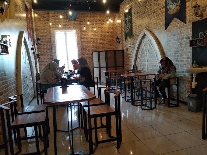 Lumos: Kafe Harry Potter Pertama di Kota Malang