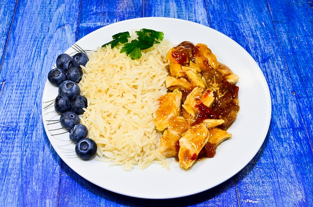 Chicken with Chili Sauce, Rice, Blueberries