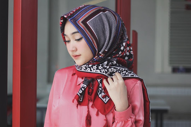 Collection of The Most Beautiful Hijab Girl Wallpapers from Selebgram