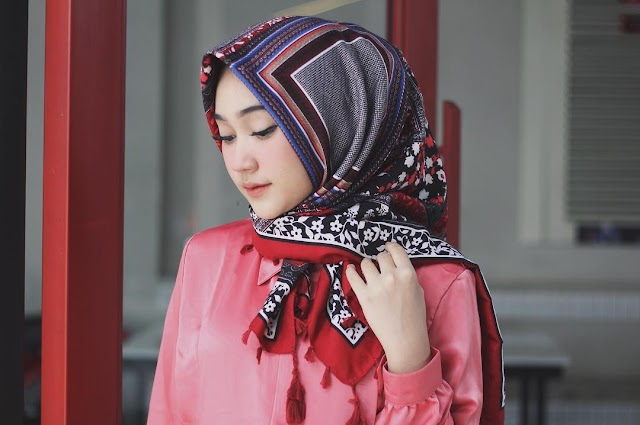 Wallpaper Collection of The Most Beautiful Hijab