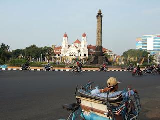 Ada Uber di Semarang,  Naik Gratis atau Jadi Driver?