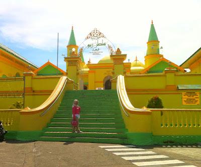 masjid unik pulau penyengat