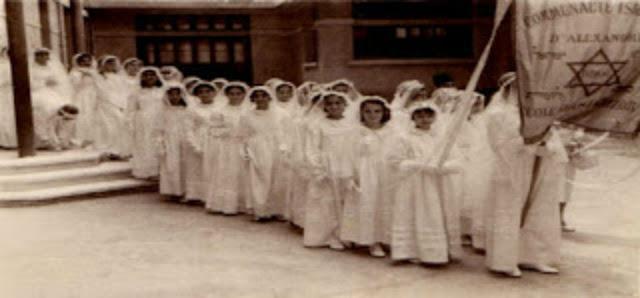 قام اليهود بمنع بناتهم من ركوب الدرجات من سن الخامسه ! لن تصدق السبب في ذاك