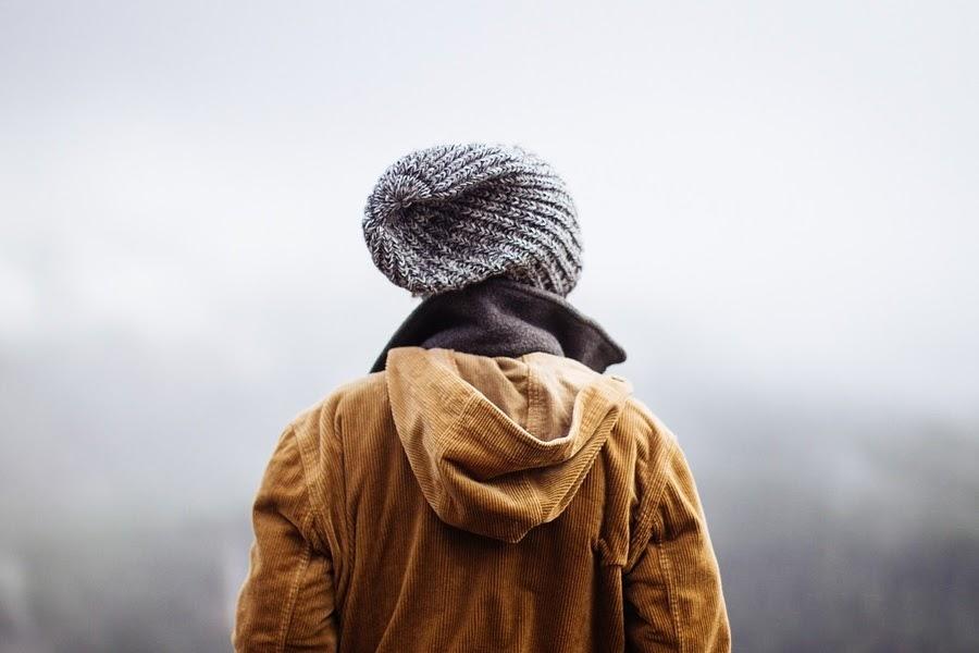 Pessoa com jaqueta