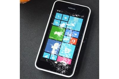 Thay mat kinh Lumia 530 gia re