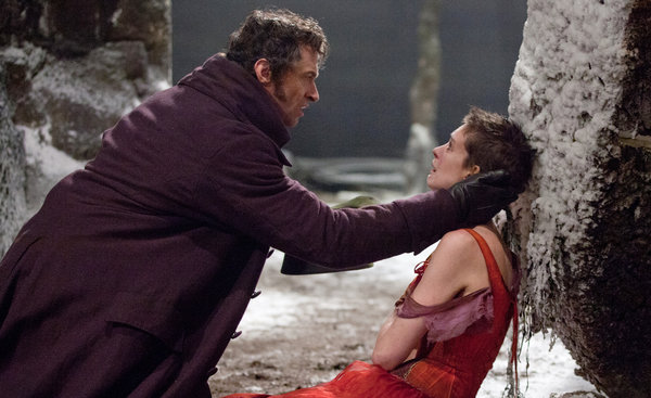 Valjean and Fantine Les Misérables (2012) movieloversreviews.filminspector.com