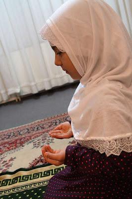 Anak Berhijab Syar'i