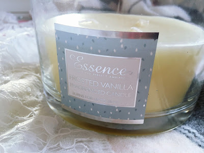 Blogmas Day 14: Seven Affordable Festive Candles