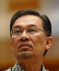 Anwar Tidak Pernah Mohon 'Datuk Seri' Selangor