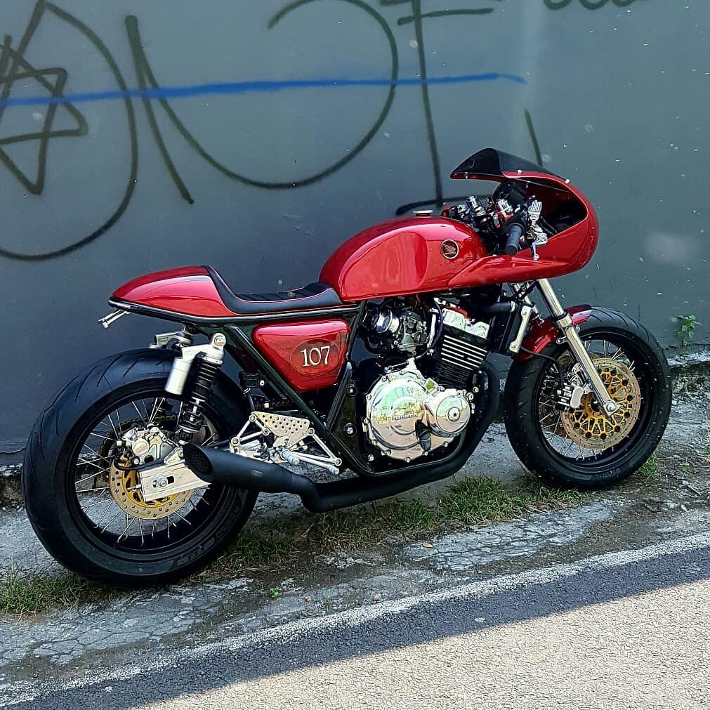 Honda CB400 Super Four Cafe Racer