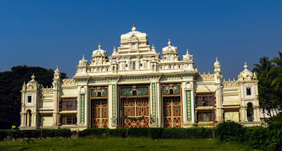 Jaganmohan Palace tourist detonation in India