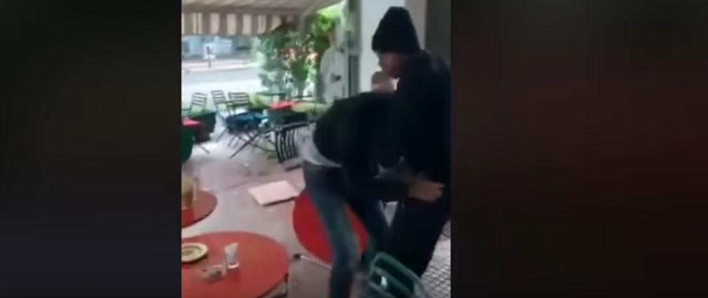 «Μετανάστες» στην Αθήνα έδιωξαν τους θαμώνες και τα έσπασαν σε καφετέρια- (ΒΙΝΤΕΟ)