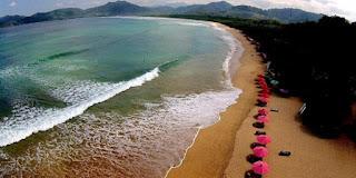 http://www.wisatabromo.my.id/2015/11/pantai-pulau-merah-banyuwangi.html