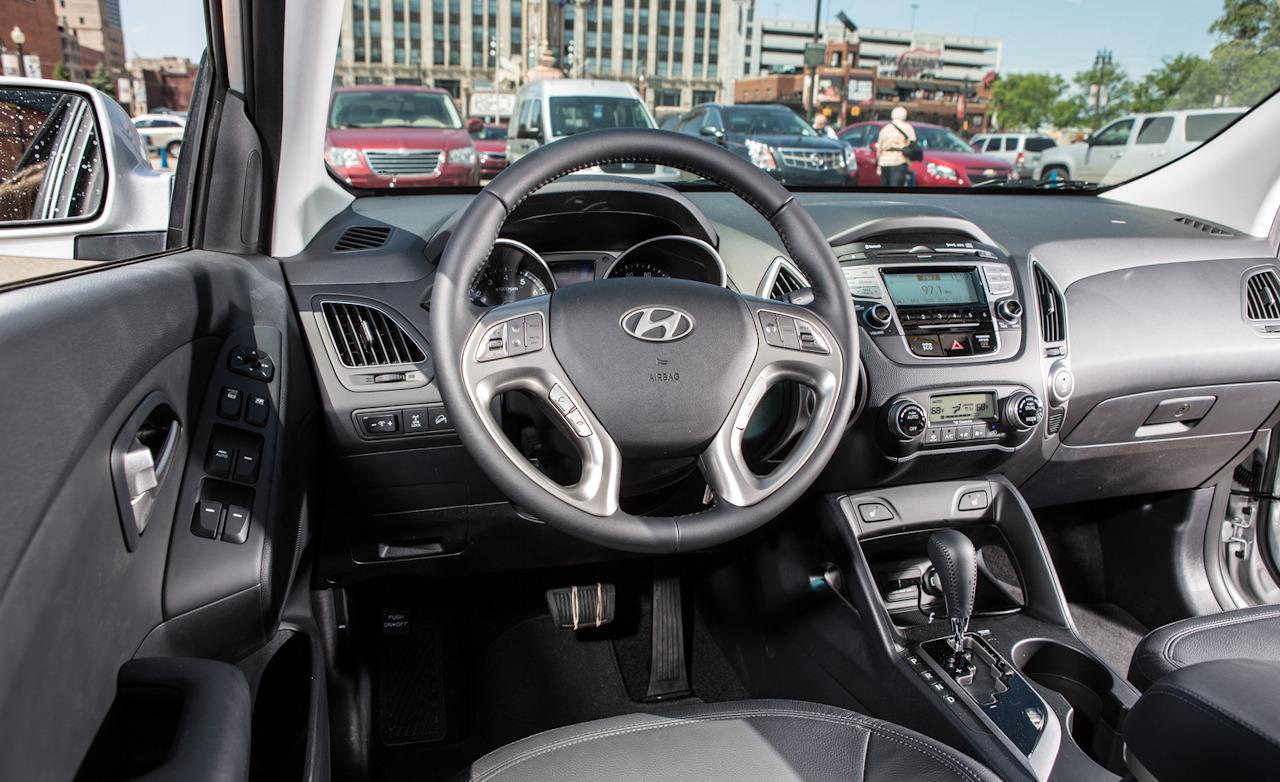 Latest cars models hyundai tucson 2013 - Hyundai tucson interior pictures ...