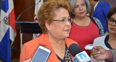 """Alejandrina Germán dice que """"muchos compañeros no respetan la disciplina interna"""" del PLD"""