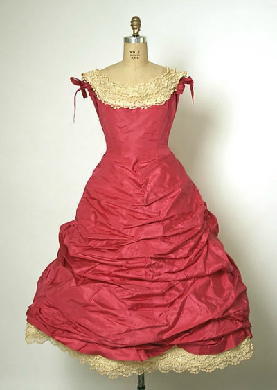 Red Evening dress from Balenciaga's Spring/Summer 1955 collection