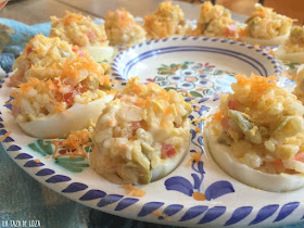 huevos-rellenos-con-arroz-blanco