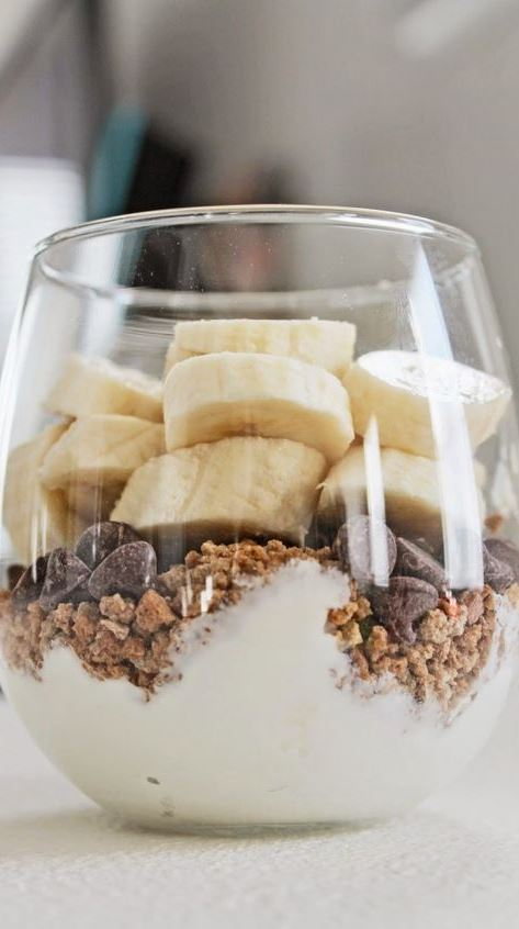 Greek Yogurt Parfait with Banana, Granola and Chocolate Chips