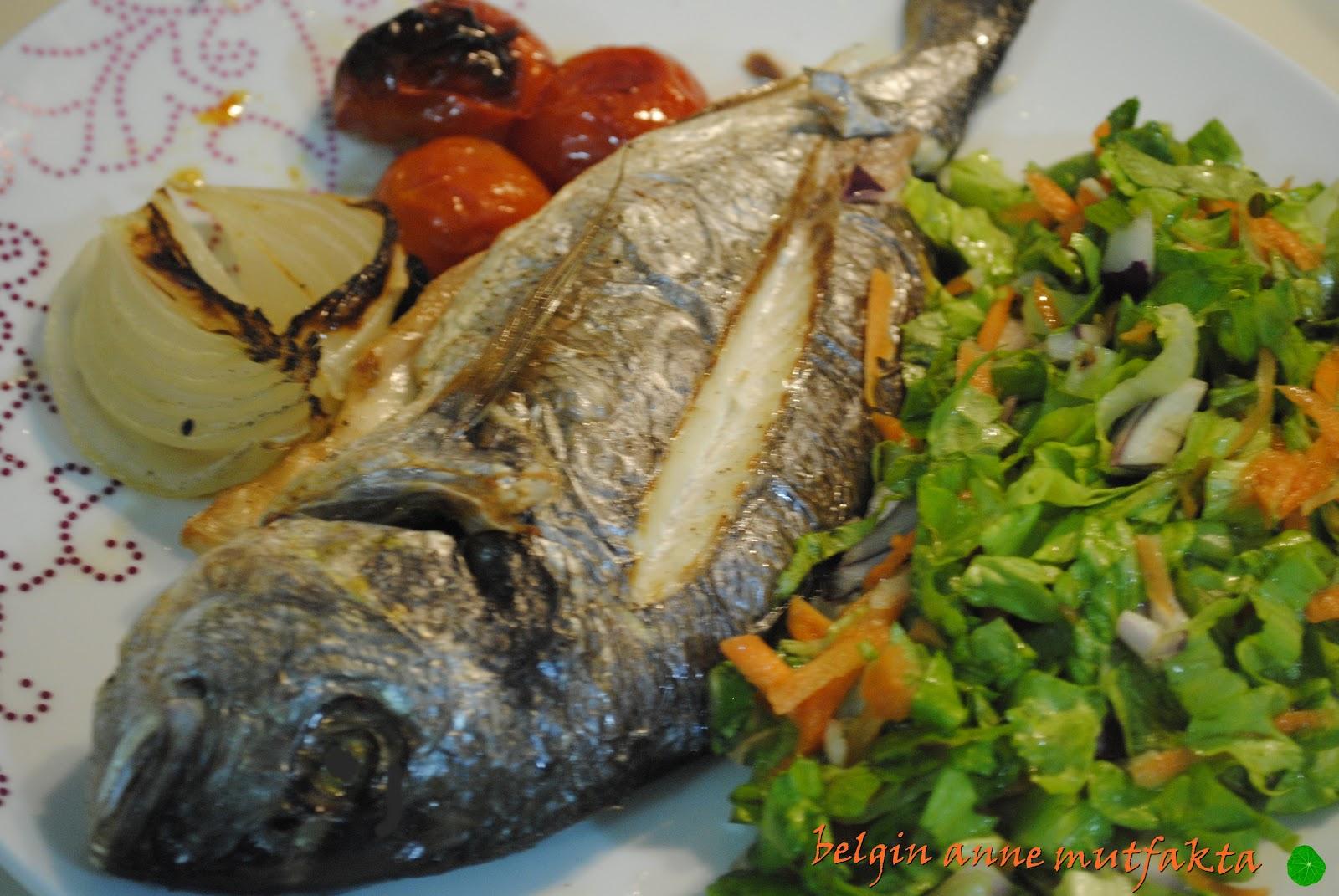 Fırında pişmiş balık için basit ve hızlı bir tarifi