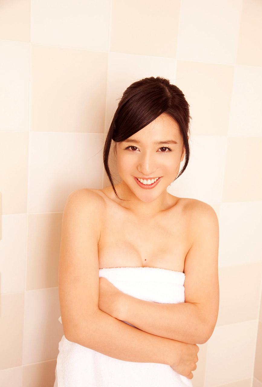 iori furukawa sexy bikini pics 01
