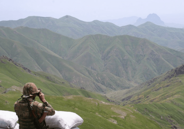 Azerbaiyán abre segundo frente contra Armenia en Najichevan