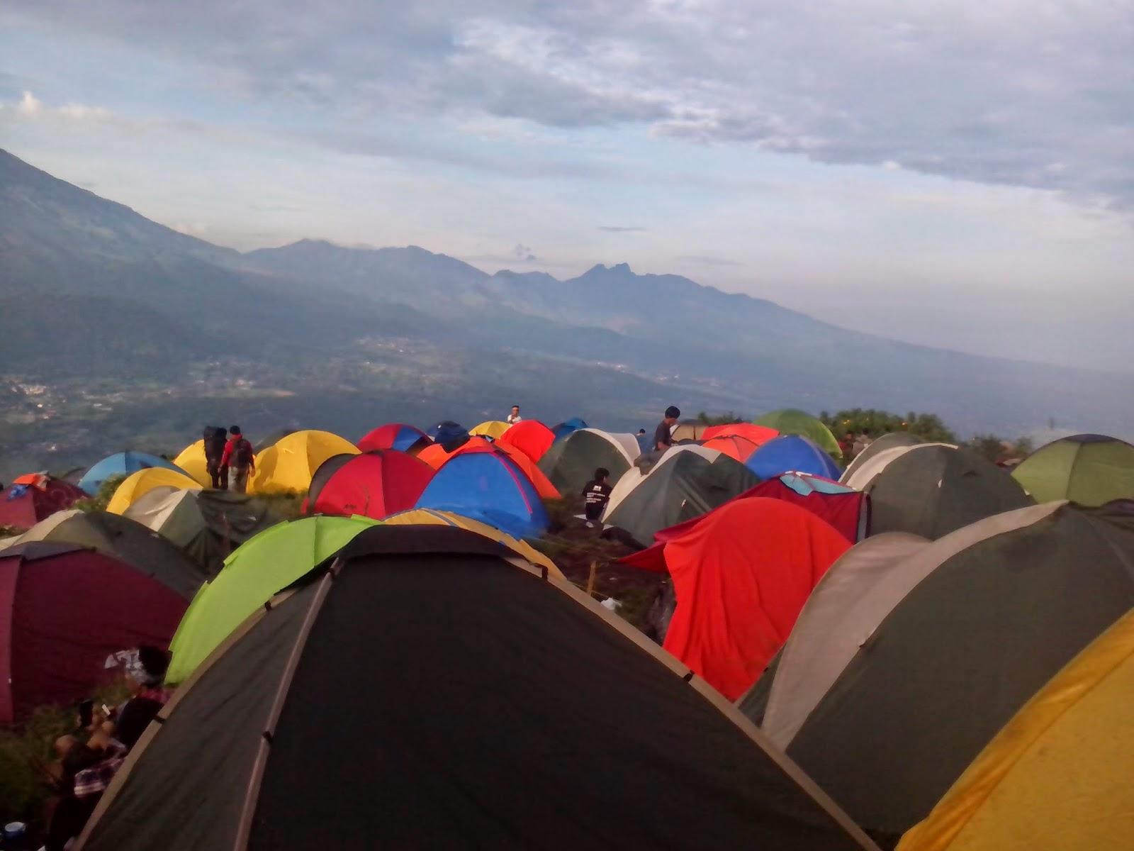 happy camp di puncak bayangan penanggungan
