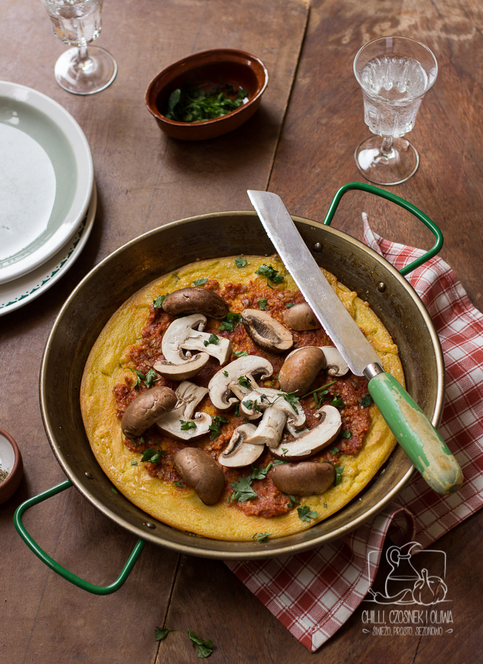 Farinata, włoski placek z ciecierzycy (Pizza bezglutenowa, bez drożdży)