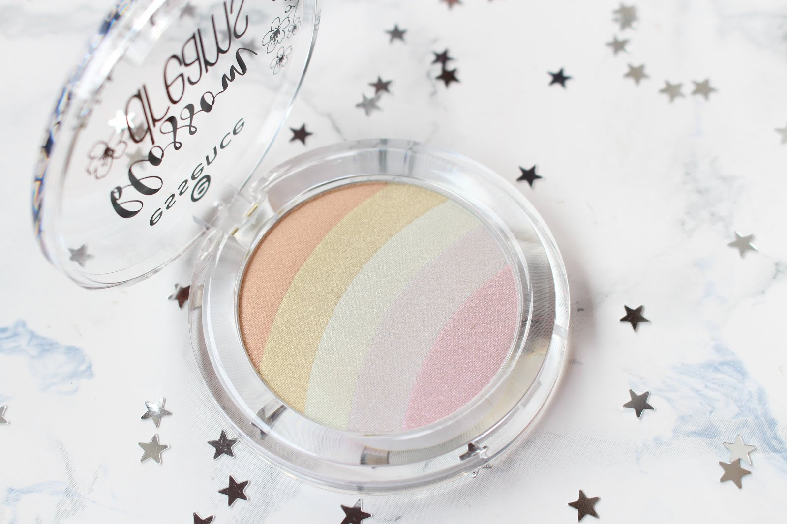 essence regenbogen highlighter, essence rainbow highlighter, essence blossom dreams, rainbow highlighter, highlighter, trends 2017, make up trends 2017