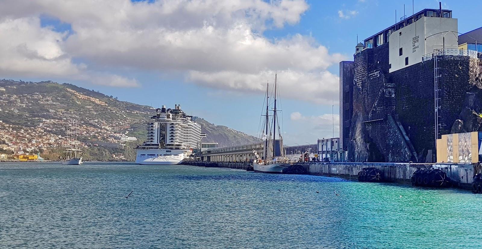 harmonia no Porto do Funchal