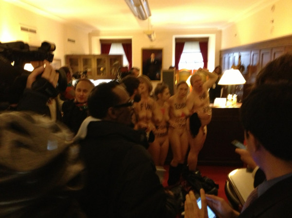 Nude pics of chloe sevigny