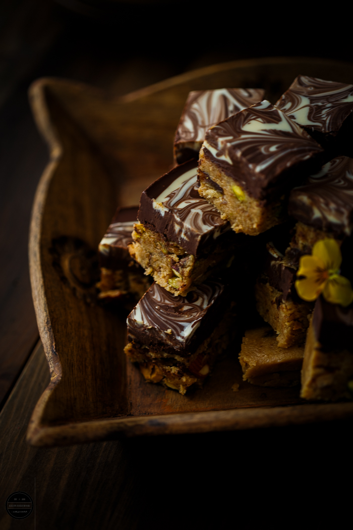 No Bake Anjeer (Fig) Biscuit and Caramel Squares