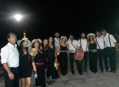 ΝΕΑ ΑΚΡΟΠΟΛΗ - Ηράκλειο: Το τραγούδι στο δρόμο, κοντά στους ανθρώπους