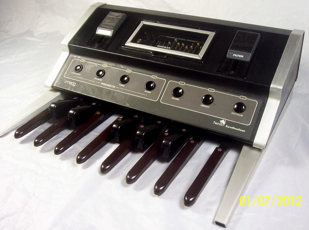 matrixsynth moog taurus 1 vintage bass pedals. Black Bedroom Furniture Sets. Home Design Ideas