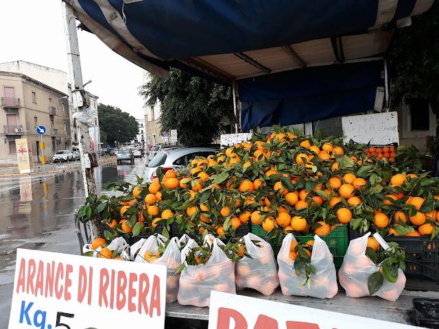 pomarańcze w Palermo w grudniu