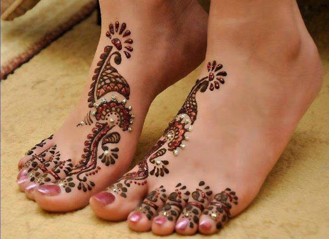 Toe-Work Mehendi Design