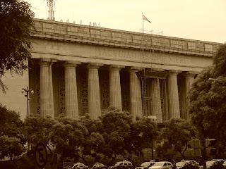 O Prédio da Faculdade de Engenharia, em San Telmo, Buenos Aires