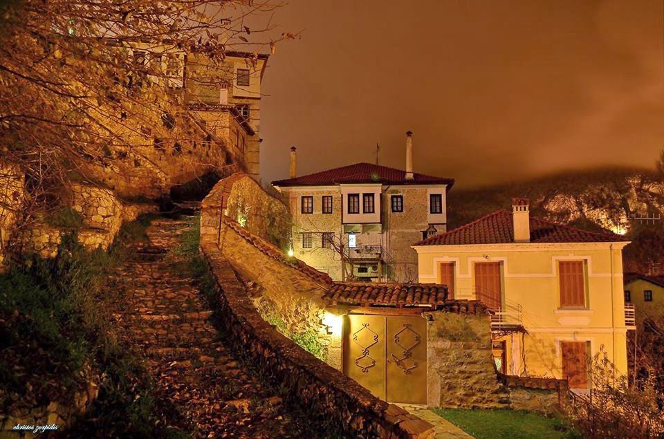 desΚastoria.gr: Μοναδικές βραδινές εικόνες από το ΝΤΟΛΤΣΟ Καστοριάς  (φωτογραφίες)