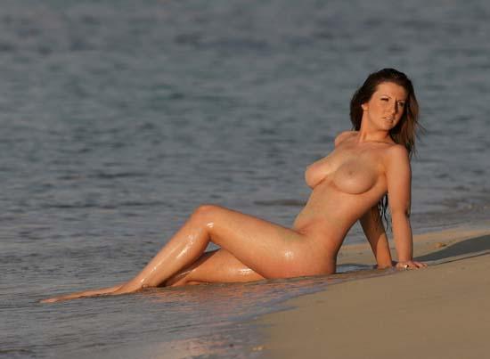 Nude Amy alexandra