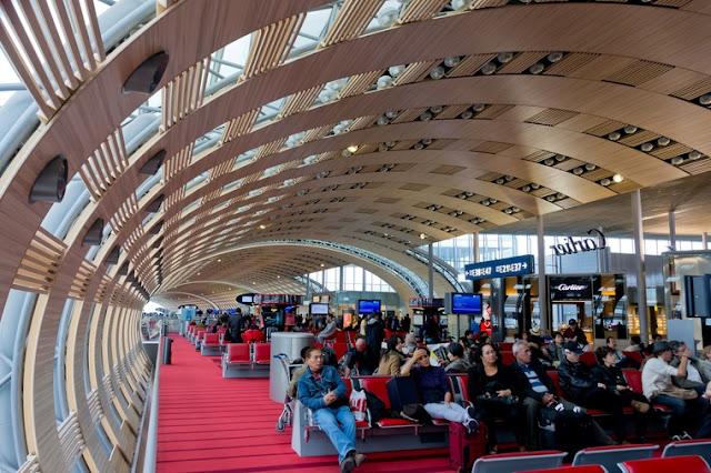 مطار باريس شارل ديغول (فرنسا)