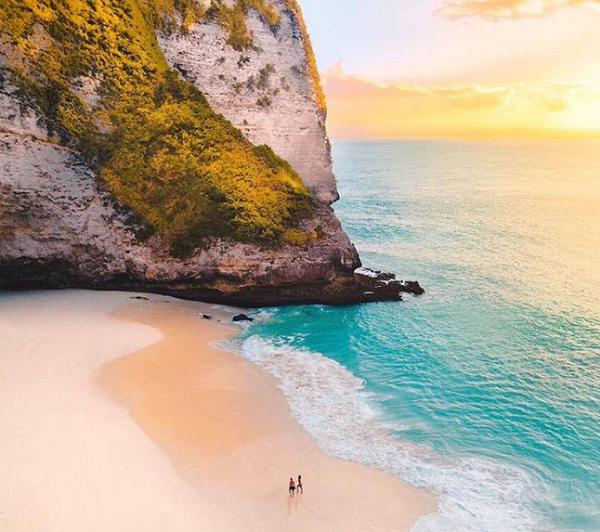 Tempat Wisata Terindah Paling Hits di Nusa Penida Pantai Klingking