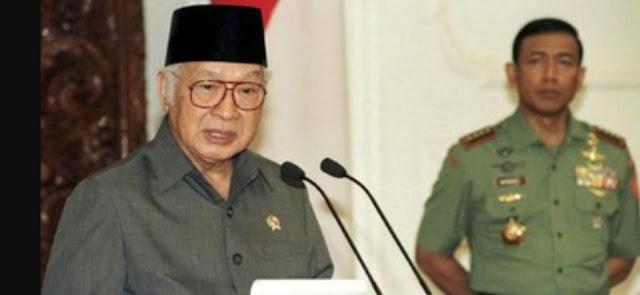 ICW Minta Jokowi Usut Enam Yayasan Soeharto Lewat Jaksa Agung