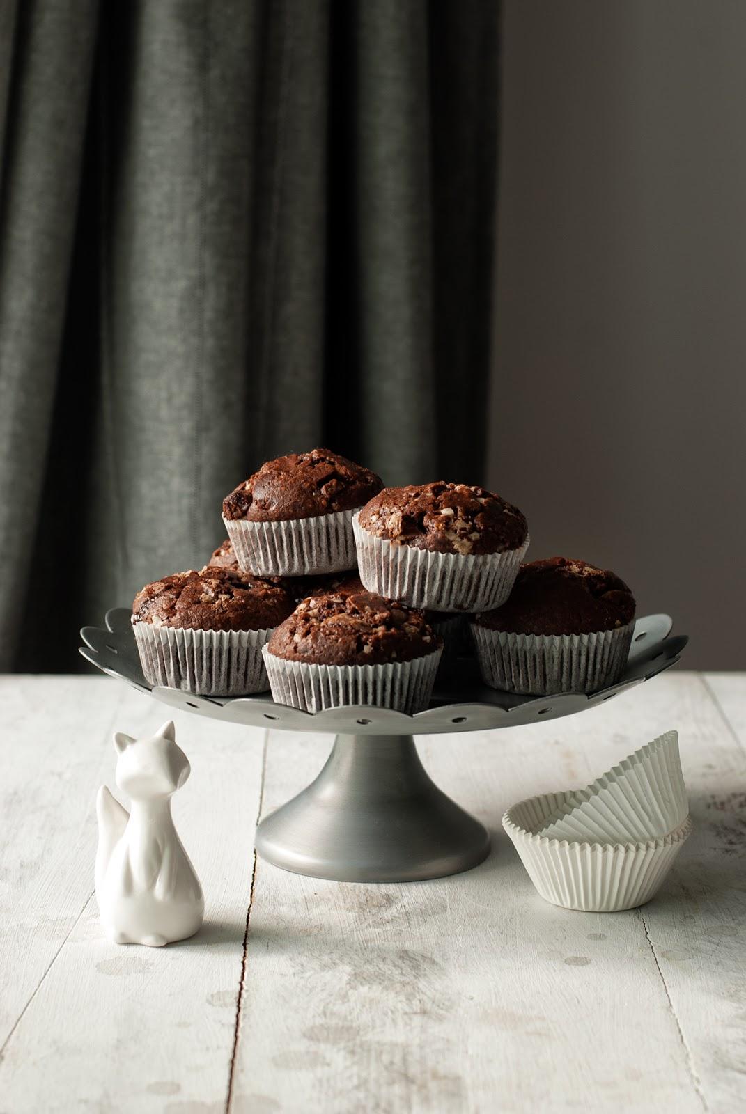 Czekoladowe muffiny z mąką z ciecierzycy bez glutenu